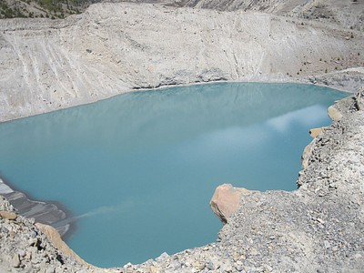 אגם קטן ליד Manang