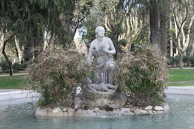 פסלים ברחבי הפארק