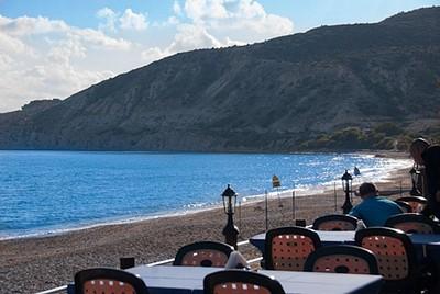 חוף הים הצמוד למלון - תמונה מהמסעדה