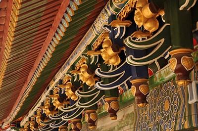 עיטורים במקדש