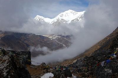 נוף מהפס (היו הרבה עננים) שנמצא לא רחוק מדזונגרי, הליכה הלוך ושוב