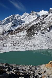 האגם שנמצא בסמוך לפס