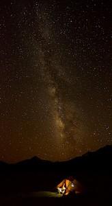 מקום אידאלי לצילום כוכבים - מדברי, גבוהה ומרוחק עשרות ק'מ מהיישוב הקרוב ביותר