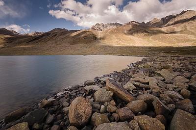 האגם השני - מעט גדול יותר