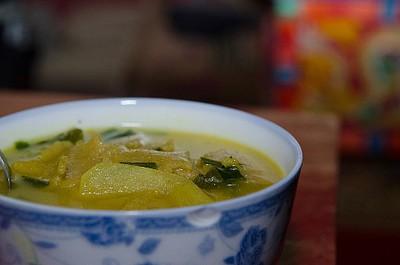 מרק Thukpa מצוין