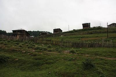 הדרך לבקוריאני, בתים ימי-ביניימים