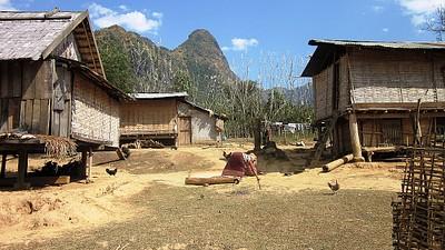 כפר ליד מונג נוי שביקרנו בו (הליכה ברגל)