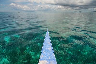 מים צלולים בצבע בלתי נתפס