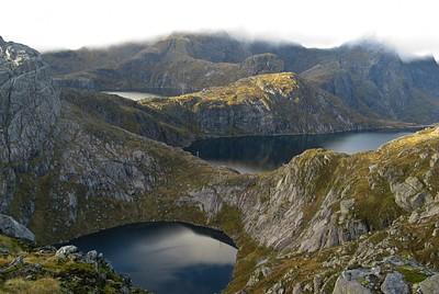 שלושת האגמים