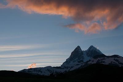 הר אושבה - 4,710 מ'