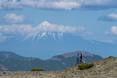 תצפית משגעת על הרי הגעש באיזור טולבצ׳יק