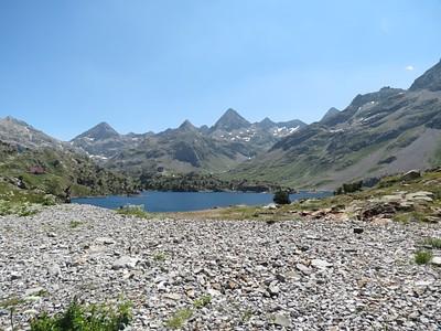 אגם Respomuso עם הרפוחיו מצד שמאל.
