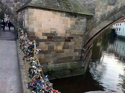 גשר המנעולים הרומנטי
