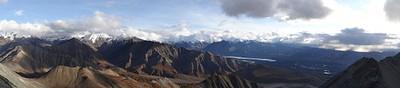 הנוף מפסגת מאונט איילסון, לכיון רכס אלסקה