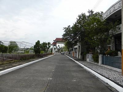 רחוב בבית הקברות הסיני