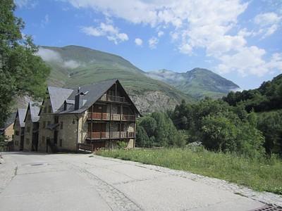 בתים ראשונים בכפר