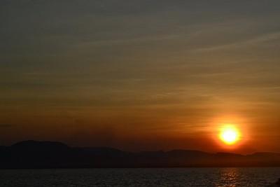 שקיעה יפה - סימן ההיר של אינדונז