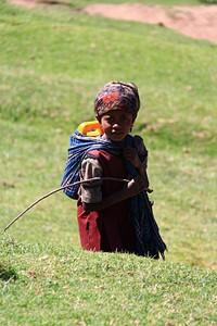 ילד מקומי בדרך לוואהרו היום הראשון