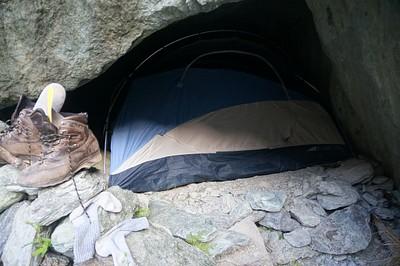 גם כאן האוהל נכנס לתוך ה- Bivvy