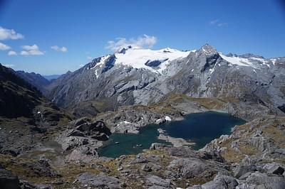 האגם הקטן שמצפון ל-Nerine
