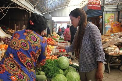 קניות בשוק של קרקול
