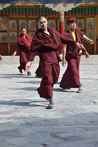 ריקודים במינזר