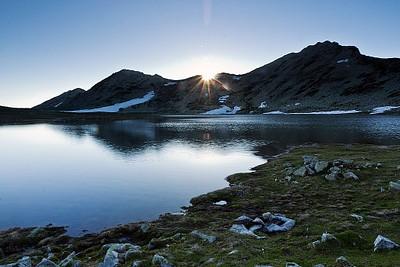 האגם ליד הבקתה