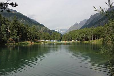 מבט על האגם מ-Lac Lexert camping