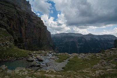 קצה העמק שלפני מעבר היתדות