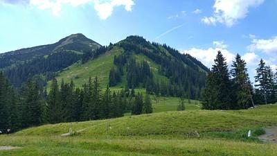 ההרים מסביב לenniglam