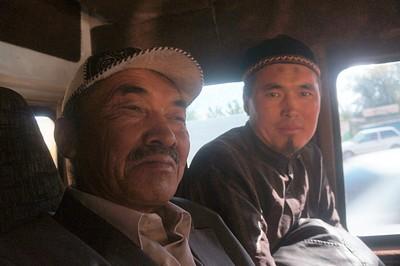 החבר'ה מ- Aksu חוזרים לעיר הגדולה, Karakol