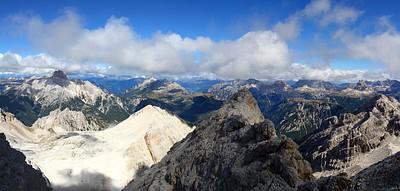 הנוף מהרכבל השני ב Monte Cristallo