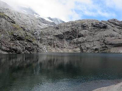 האגם בדרך למעלה