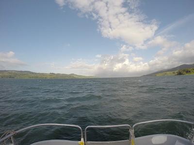 הדרך בסירה ללה פורטונה, אגם ארנל