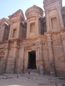 Monastery - המבנה הגבוהה והמרשים ביותר בפטרה. שימש להתכנסויות דתיות