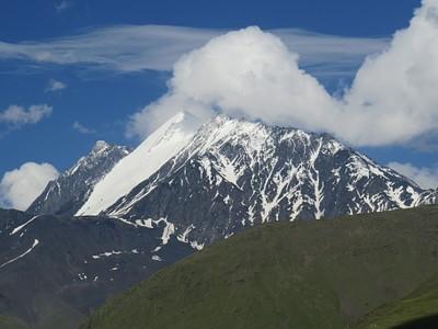 הנוף שנשקף מהאוכף לפני ה-Atsunta pass