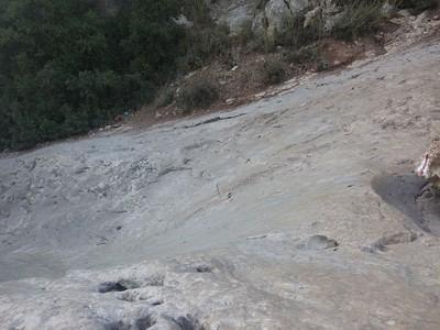 מגלשות סלע בנחל המערה, מערת התאומים