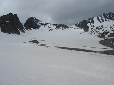 עמק השלג שממנו עולים לפאס, אנחנו עלינו מהרכס המזרחי שתוחם אותו