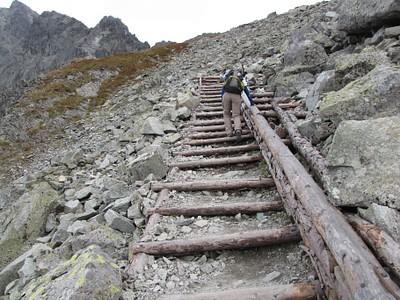 עשו טובה ושמו מדרגות- זה לא כך בשאר הפסים. בדרך לPolski Hreben