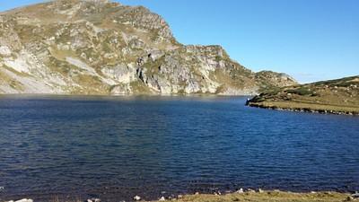2. האגם הראשון, ממש כמה דקות הליכה אחרי תמונה (1)