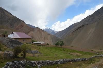 כפר kichi alay בירידה מהפס