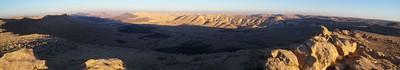 תמונה לכיוון מזרח מאנדרטת אסון קולומביה, ליד הר רמון