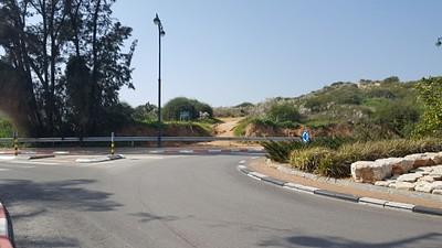 הכניסה מרחוב היקינתון- דרך גבעות הכורכר