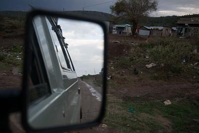 בדרך מ- Narok לשער Oloololo