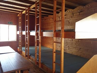 חדר משותף בבקתה