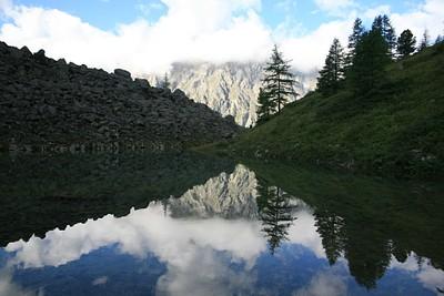 האגם הקטן שאחרי הדרדרת הראשונה