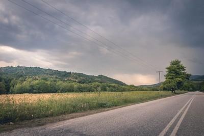 נסיעה בדרך כפרית