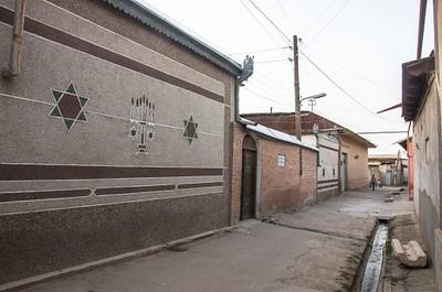 הכניסה לבית הכנסת גומבאז