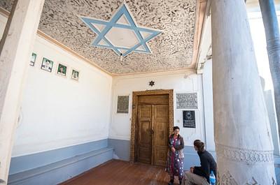 אשל ותמר בבית הכנסת גומבאז