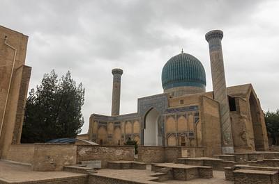 מאוזוליאום גור-א-אמיר, קברם של טימור ונוספים.
